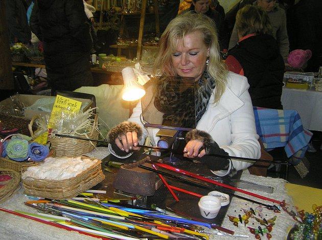Jarmark v Libici je přehlídkou umění zručných řemeslníků.