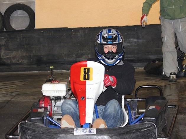 Deset závodů. Tolik bude obsahovat druhý ročník motokárového šampionátu v havlíčkobrodské KartAréně. Z vítězství v prvním závodě se radoval Tomáš Málek.