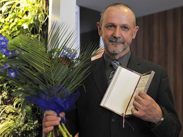 Novinářskou cenu Karla Havlíčka Borovského za rok 2014 si vloni v Havlíčkově Brodě převzal komentátor Práva Alexandr Mitrofanov.