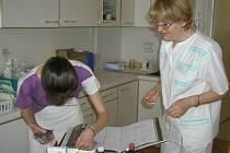 Absolventi zdravotnické školy v Brodě nacházejí uplatnění bez problémů doma i v cizině.