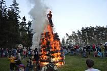 Vatra v Dolní Březince.