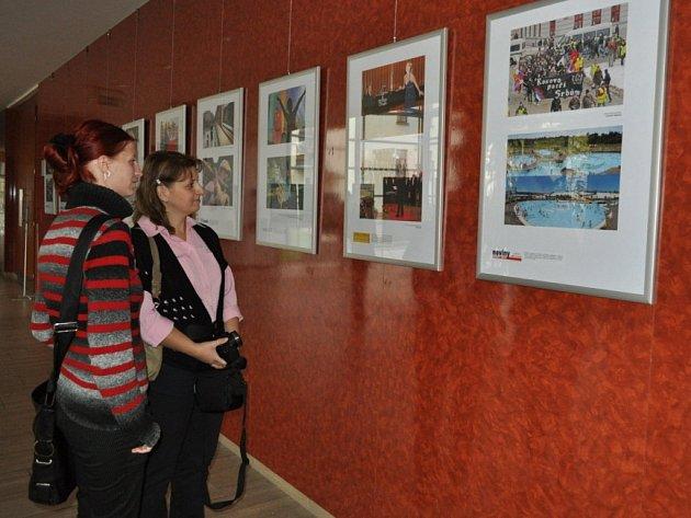 Výstava Region Press Foto 2012 v budově krajského úřadu v Jihlavě.