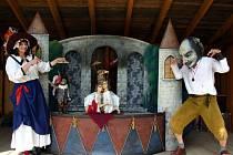 S pořádáním kulturních akcí mají v Okrouhličce bohaté zkušenosti. Už několik let se tam divákům představují například různé divadelní soubory.