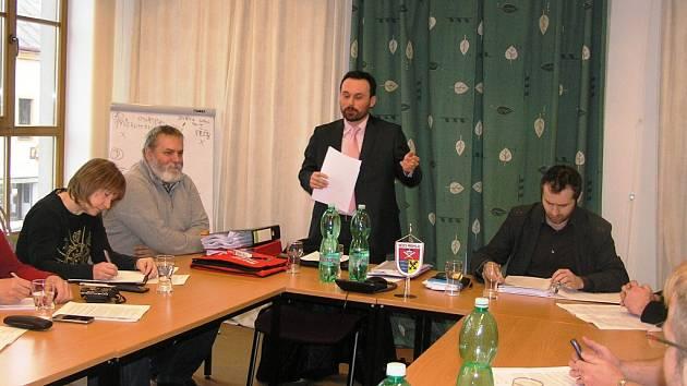 Další strategii pro odvrácení těžby uranu v Brzkově nastínil  právník Luboš Kliment.