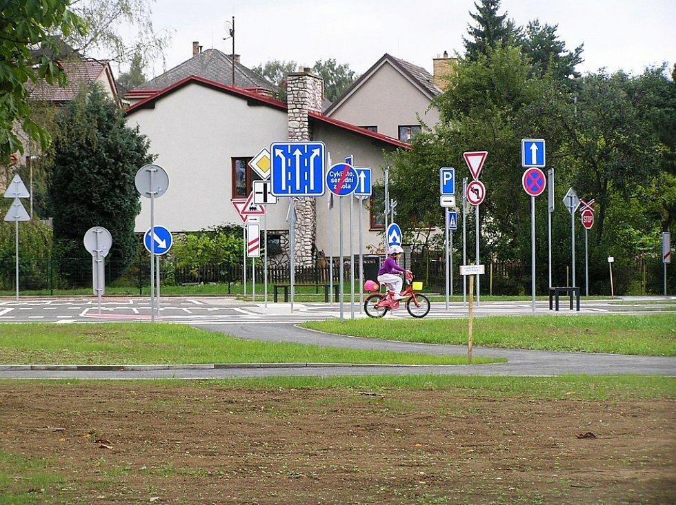 Dětské hřiště v Přibyslavi je také otevřené.