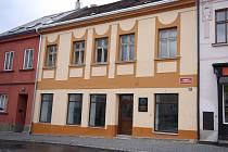 Dům osobnosti. Rodný dům Františka Slámy bude už brzy opravený. Na zdi nechybí ani pamětní deska s podobiznou buditele.