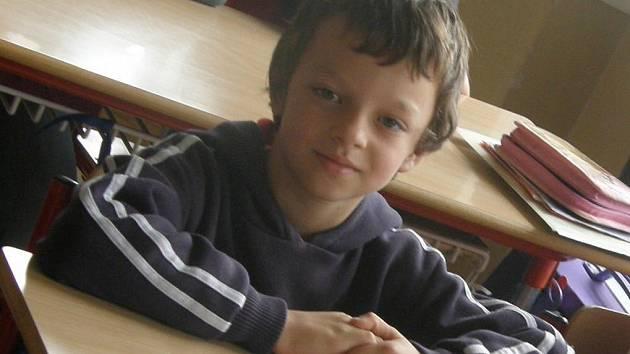 Ne jeden, ale rovnou dva životy zachránil vloni v červnu tehdy osmiletý Patrik Pačanda z Krucemburku. Jeho těhotná maminka totiž dostala epileptpický záchvat a díky Patrikovi a jeho  bratrovi se podařilo včas zavolat záchranku.