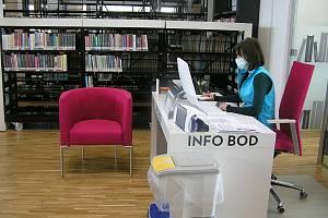 Do nové knihovny v Brodě se čtenáři zatím nepodívají.