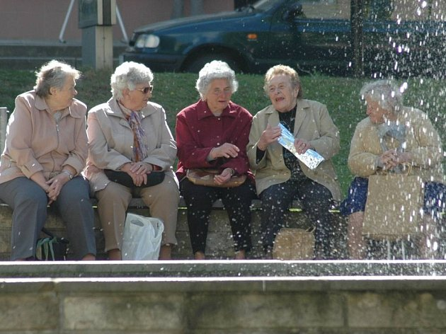 Senioři mohou zůstat klidní. Na Žďársku nedoplatky za služby v domovech důchodců uhradí kraj. Senioři a jejich rodiny se tak nemusí obávat zadlužení.