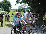Do Vepříkova se sjelo více než 200 cyklistů ze širokého okolí, aby pokořili dvě etapy v pořadí již osmého ročníku populární Tour de Vepříkov.