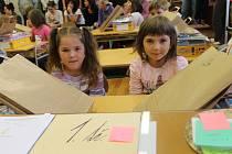 """""""Přesila"""".  Dívek je v první třídě havlíčkoborovské základní školy o šest více než chlapců, a to jedenáct"""