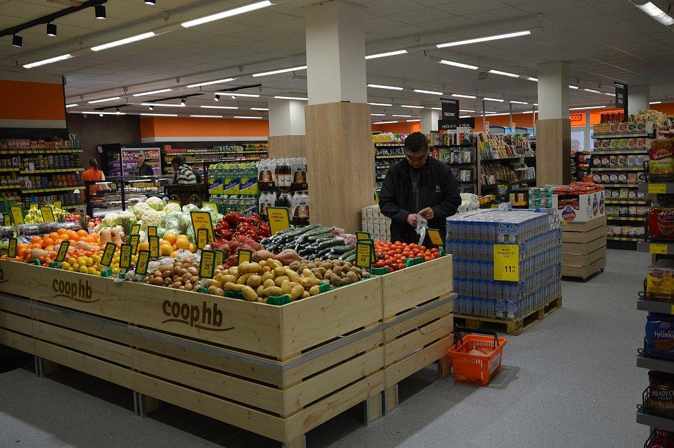 Zrekonstruovaná prodejna COOP ve Světlé nad Sázavou.