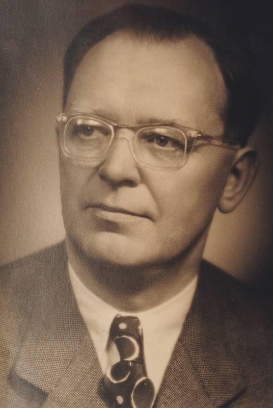 Karel Mucha.