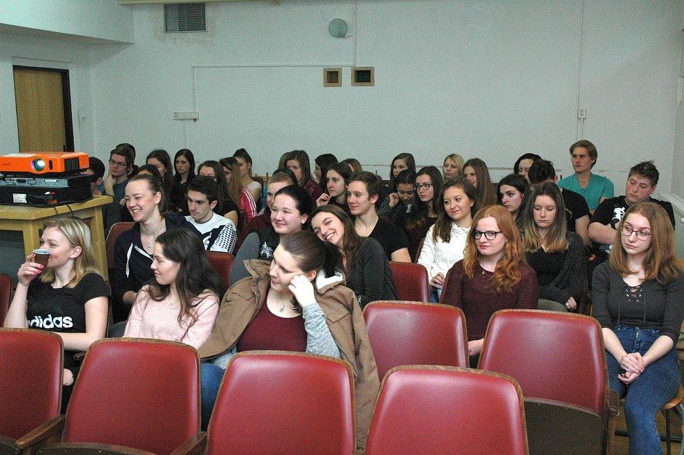 Beseda s názvem Energie – budoucnost lidstva na Střední zdravotnické škole v Havlíčkově Brodě.
