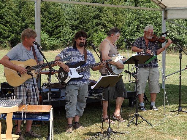 Country kapela Fernet.