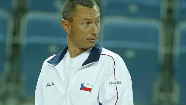 Bývalý československý a český tenista Cyril Suk vyměnil tenisovou raketu za oblek s kravatou a v Boleslavi vykonává funkci marketingového manažera.