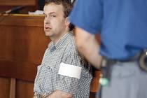 Policisté také zveřejnili, že Zelenka má zřejmě na svědomí ještě další tři vraždy a jeden pokus o ni. Vzhledem k uloženému doživotnímu trestu ho však už znovu nestíhali. Ilustrační foto: