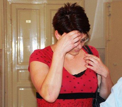 Šustrová v úterý u soudu tvrdila, že se k činům přiznala jen proto, že  si myslela, že bude propuštěna z vazby.