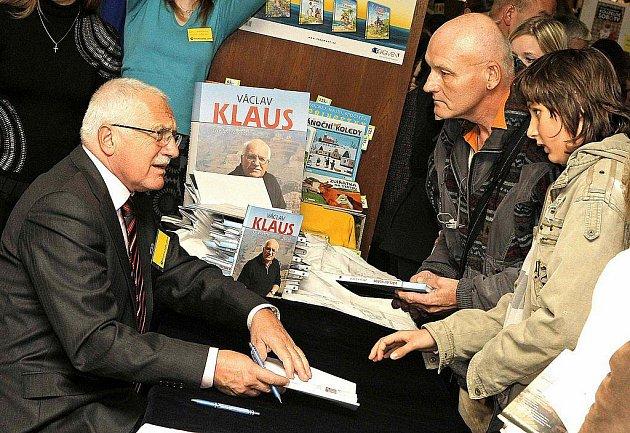 Václav Klaus na Podzimním knižním veletrhu v Havlíčkově Brodě.
