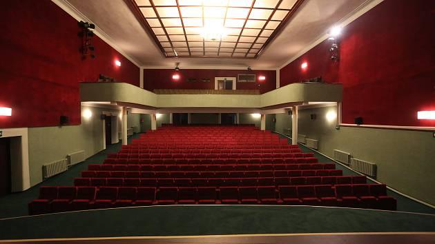 Kino si můžete užít i z pohodlí domova.