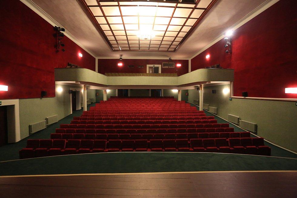 Zrekonstruovaný kinosál ve Světlé nad Sázavou.
