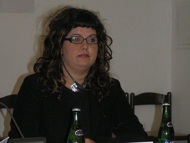 Tatiana Sanchez z Cadizu zastává doma ve veřejné správě postavení odpovídající funkci krajského hejtmana.