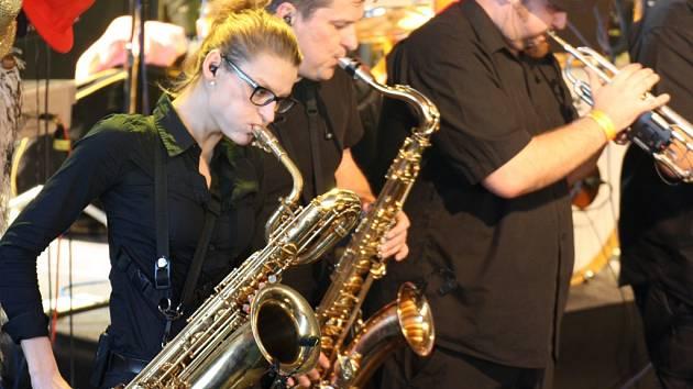 Jubilejní 15. narozeniny Sázavafestu oslaví ještě před letním festivalem kapely Sto zvířat (na snímku) a Volant, které vystoupí tento pátek v havlíčkobrodském klubu OKO.