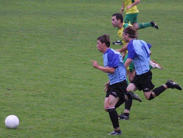 Fotbalisté Ledče (na snímku) hostí na domácím trávníku vedoucí tým skupiny A I. A třídy Pacov.