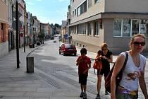 Stále platí, že Havlíčkobrodská Dolní ulice živou tepnou je živou tepnou i v roce 2014.