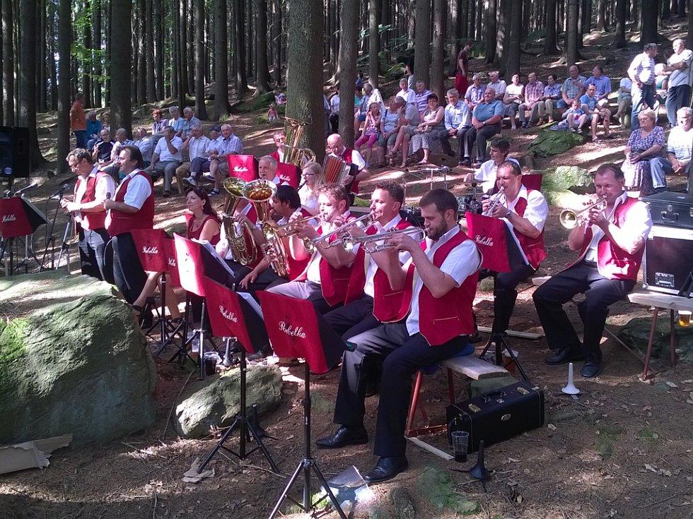 Havlíčkobrodská dechová kapela si zachovává svoji tvář a více než osmnáct let zůstává věrná svým posluchačům. Současnou podobu orchestru tvoří celkově třináct hráčů a čtyři zpěváci.V jeho repertoáru se nachází jak písničky jihočeské tak moravské.