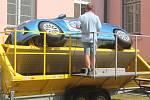 Kdo měl zájem, mohl si zkusit, jaké je to jít s autem přes střechu.