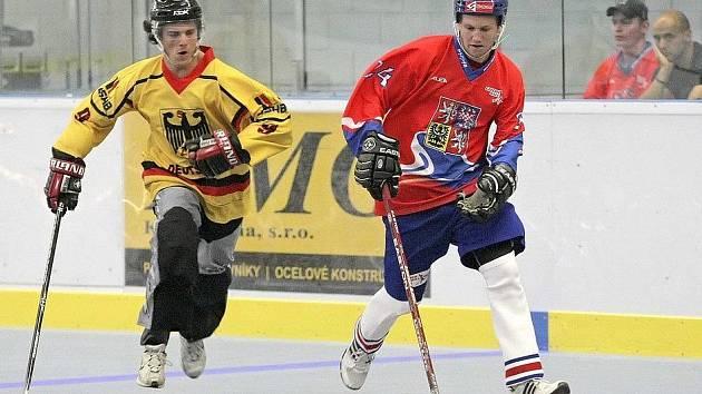 Česká hokejbalová reprezentace sehrála ve Sportovním centru Pěšinky ve Světlé nad Sázavou přípravný zápas s Německem.