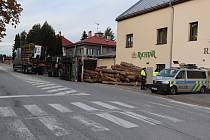 Ke dvěma nehodám museli policisté v pondělí vyjíždět do Ždírce nad Doubravou. První z nich se stala v blízkosti železničního přejezdu, druhá na ulici Chrudimská.