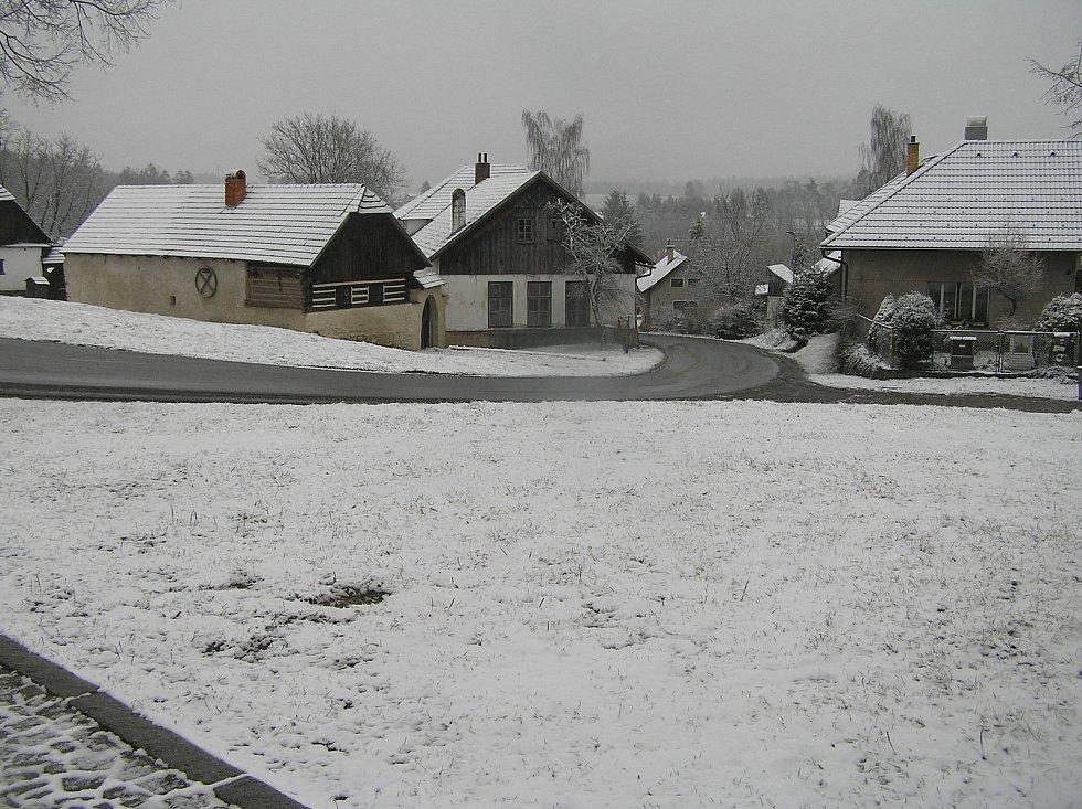 Obec Pohleď.