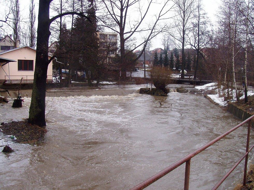 Vylitá Sázava v Havlíčkově Brodě. Foto: Jiří Svoboda