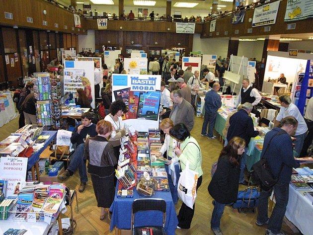 Standardně vysokou návštěvnost má každý rok Podzimní knižní veletrh.