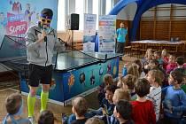 V tělocvičně světelské Základní školy Lánecká se ve středu 4. května sešlo více než šedesát dětí z prvních až třetích tříd.