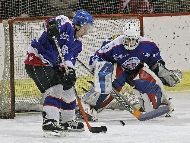 Chotěbořští hokejisté si ve středečním večerním zápase s chutí zastříleli proti Hlinsku, to si nakonec odvezlo domů příděl 9:1.