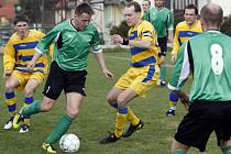 V neděli je na programu 17. kola I. B třídy souboj mezi Pohledem a Lípou (v zelených dresech).