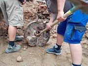 Při revitalizaci náměstí se nalezl mlýnský kámen.