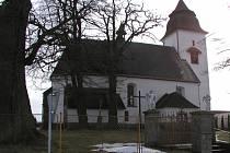 Obec Číhošť proslavil v padesátých letech minulého století takzvaný Číhošťský zázrak. Kostel, kde k oné události došlo, chátrá a volá po záchraně.