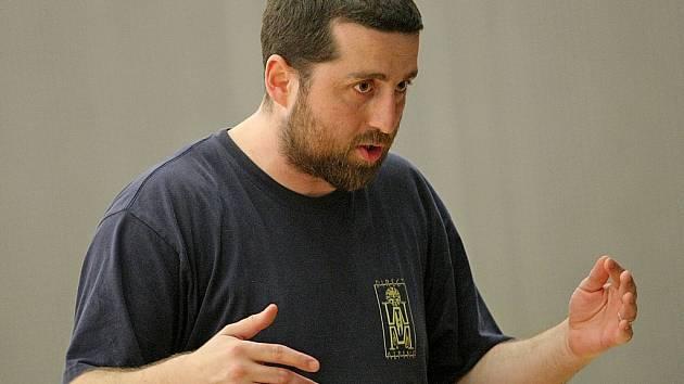 Kouč brodských házenkářek David Kučera má se svým týmem premiérovou sezonu v I. lize.