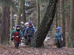 DVOREČEK. Děti z lesního centra jsou v přírodě jako doma