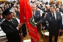 Na snímku je zástava hasičského spolku z Jeřišna.