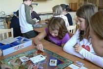 Děti ze Štoků se učí, jak zacházet s penězi nejen formou výkladu, ale také prostřednictvím nejrůznějších her s tematikou finančnictví.