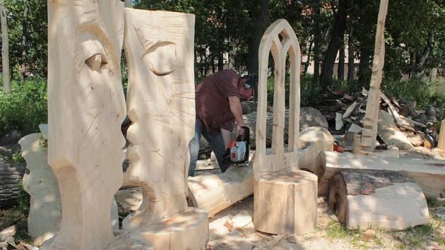 Ve ždírecké zahradě se bude nacházet patnáct velkých soch od výtvarníka z Havlíčkova Brodu.