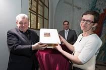 Jeruzalémská bible s Reynkovými grafikami byla představena 8. dubna v klášteře sv. Jiljí. Při té příležitosti se Veronika Reynková setkala i s arcibiskupem Dominikem Dukou.