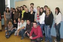Studenti čtvrtého ročníku gymnázia ve Světlé nad Sázavou.