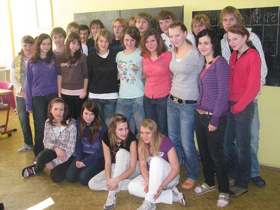 Žáci deváté třídy ZŠ Wolkerova v Havlíčkově Brodě.
