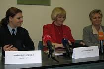 Tisková konference ve světelské ženské věznici týkající se umístění odsouzené bývalé prokurátorky Ludmily Brožové-Polednové, byla terčem zájmu novinářů.